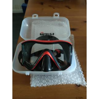 Je vends un masque de plongée MARES i3 en parfait état, acheté en juillet 2021, servi 2 fois.